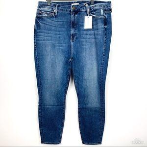 Good American | NWT Good Legs Crop Plus size 22